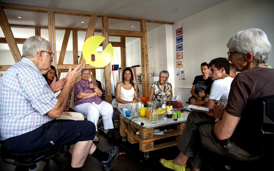 Jugendliche fördern Medienkompetenz von Seniorinnen und Senioren